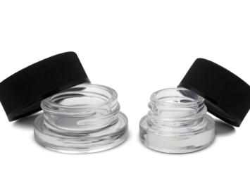 cannabis-extract-glass-jars
